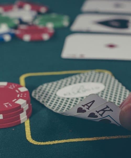 What to Know Before Joining a Casino Poker Table